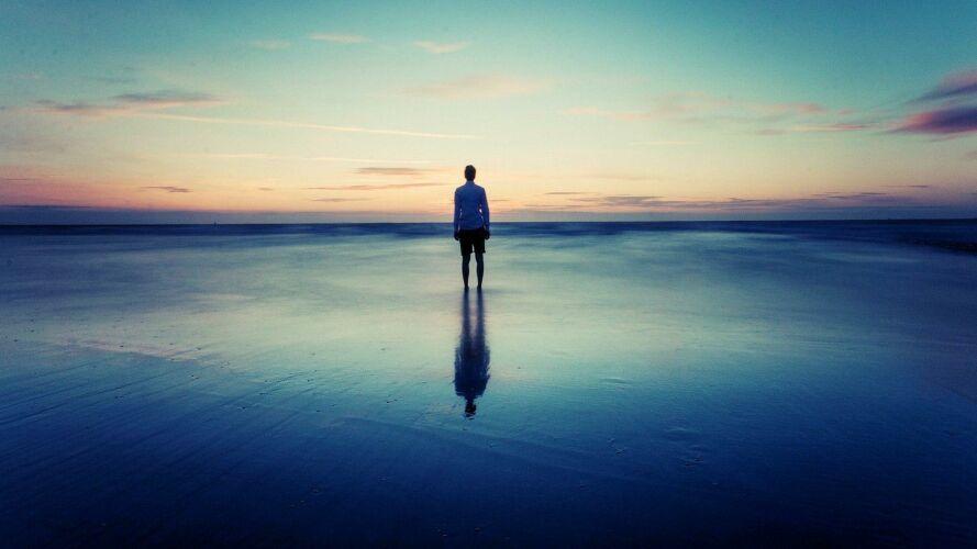 Музыка тишины - тот фон, на котором происходит симфония не только музыки, но и всего того, что представляется нам миром и жизнью